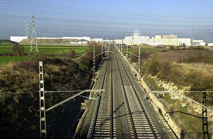Vías ferroviarias y trenes