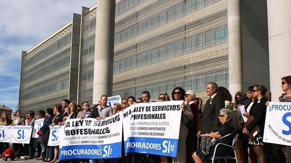 protestas-ley-colegios-profesionales