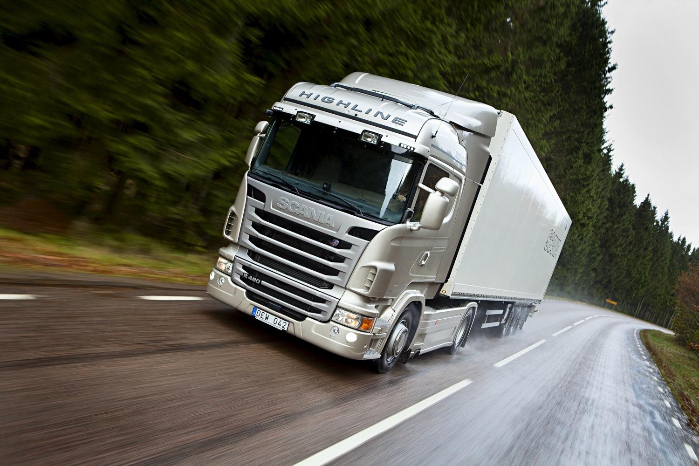 Los envíos de mercancías siguen bajando en EEUU