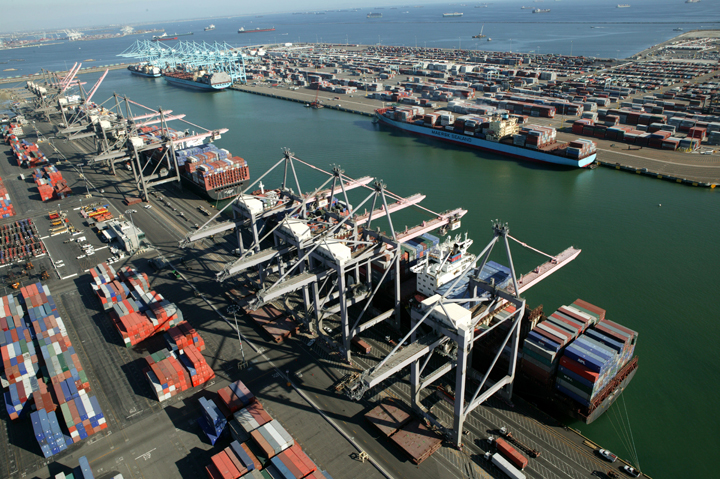 Los Puertos de Los Ángeles y Long Beach aumentan ganancias en noviembre