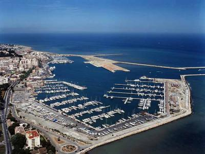 Los cruceros en Denia no pueden entrar al puerto
