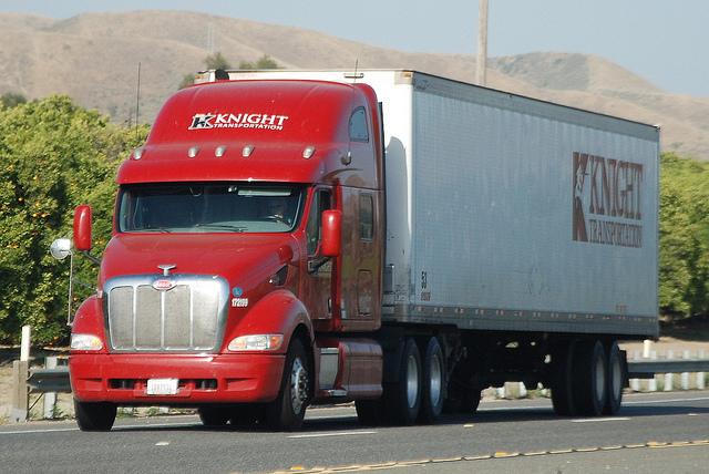 Knight Transportation prevé mayores ganancias de las proyectadas