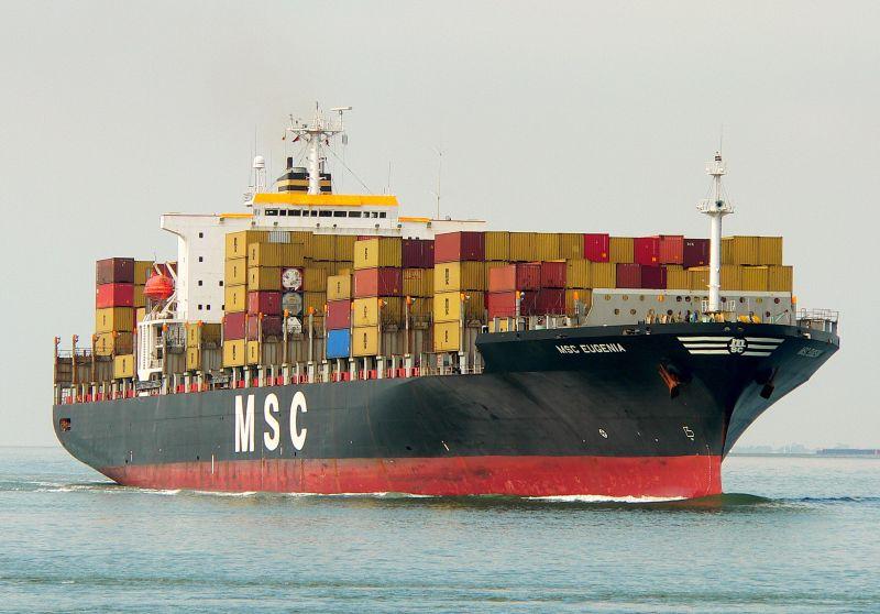 Importadores de alimentos asiáticos se cambian a buques portacontenedores