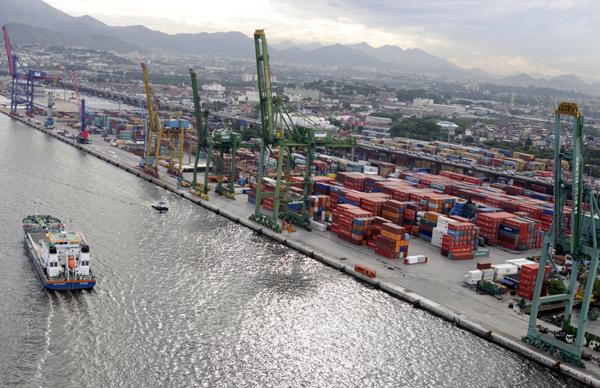 Brasil espera adjudicar todas sus terminales portuarias en 2014
