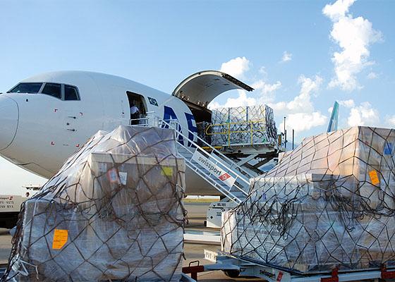 Aeropuertos estadounidenses compiten por dominar cadena de suministro
