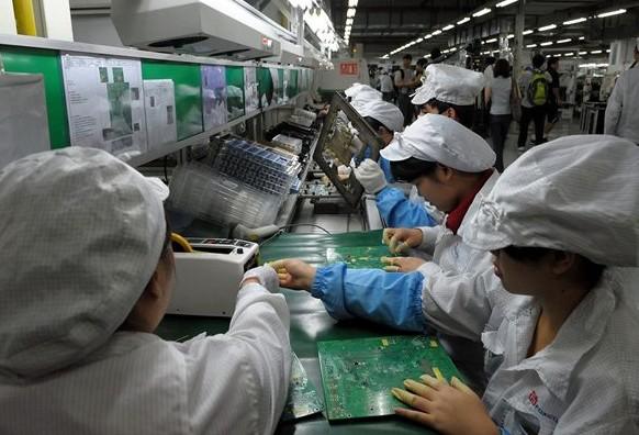 Apple contrata gerentes para la cadena de suministro