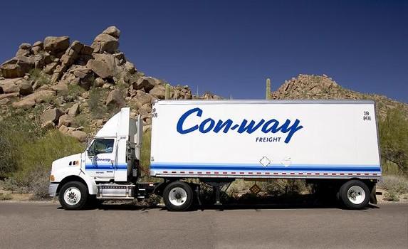 Departamento de Justicia demanda a Con-way Freight