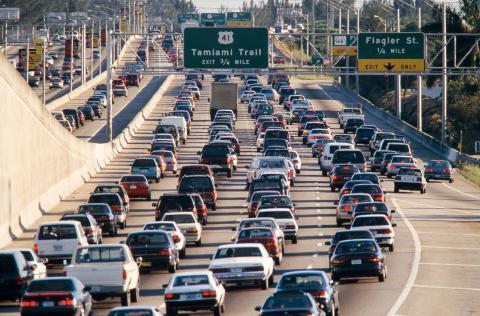 Expertos prevén que las tarifas de transporte sigan aumentando