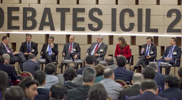 Debates-ICIL-segunda-mesa-redonda