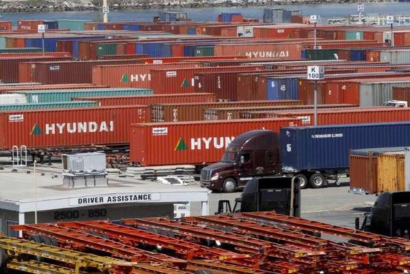 Expertos destacan la necesidad de modernizar los puertos