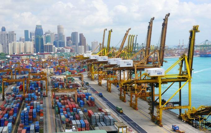 Firman acuerdo para desarrollo tecnológico del puerto de Singapur