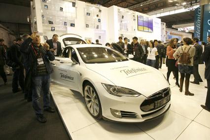 Telefonica firma acuerdo con Tesla