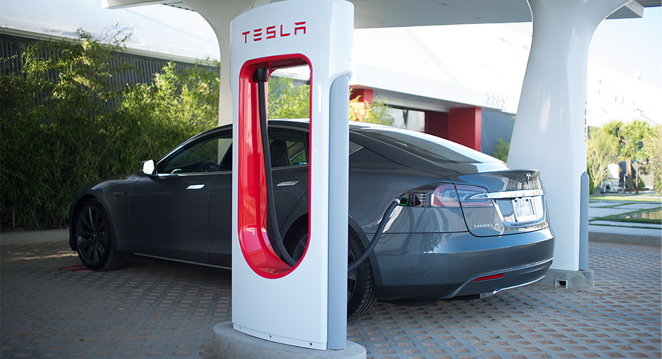 Tesla comprará sus materias primas en Norteamérica