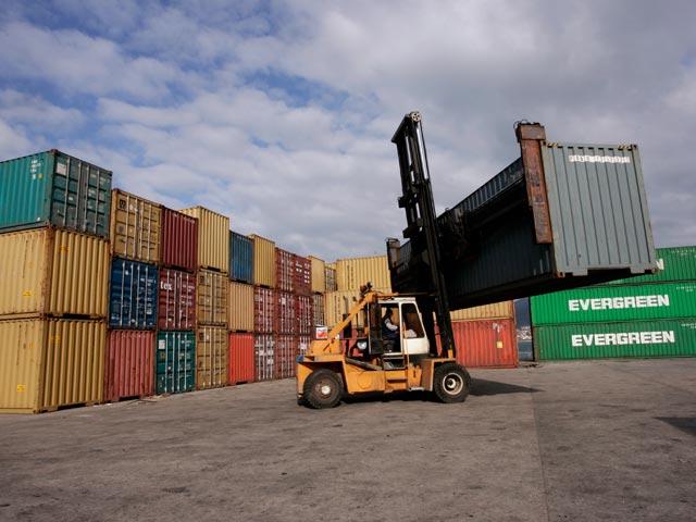 Aumentan los precios de los contenedores secos