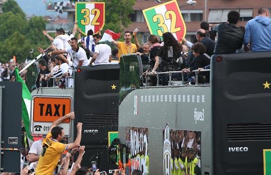 autobuses-Iveco-Juventus