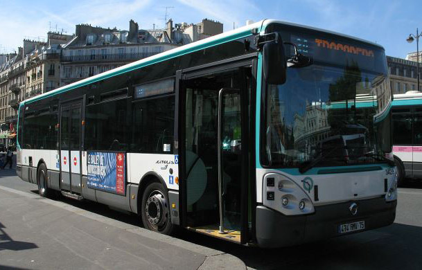 iveco-bus-paris