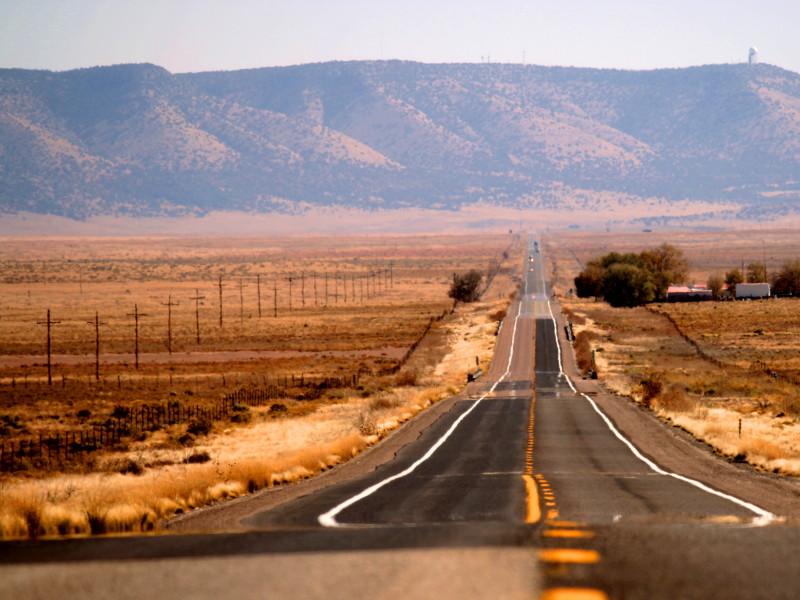 Legisladores alientan al Congreso a invertir en carreteras