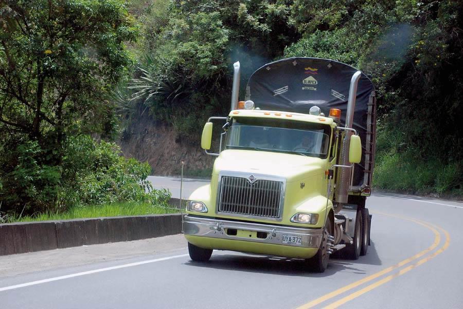 DOT ayuda a los veteranos a conseguir empleo en el transporte