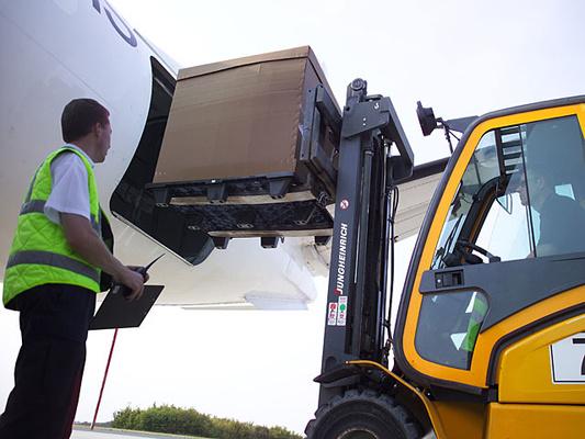Introducen cambios en la regulación de carga aérea en EEUU