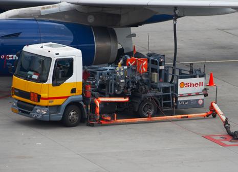 asistencia de combustible a aeronaves