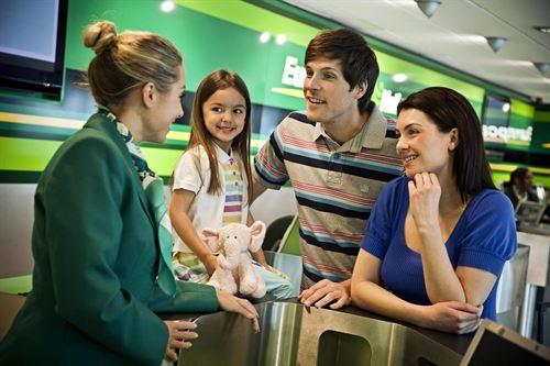 Europcar es la marca favorita por usuarios de tripadvisor - Oficinas europcar barcelona ...