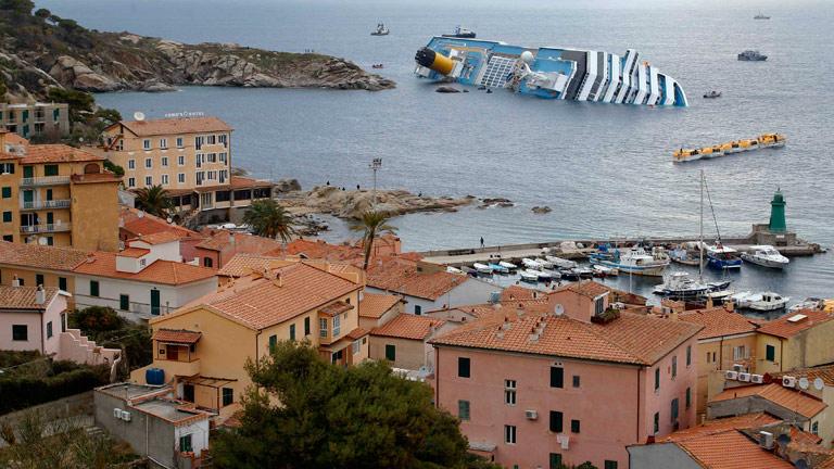 El Costa Concordia se prepara para ser desguazado