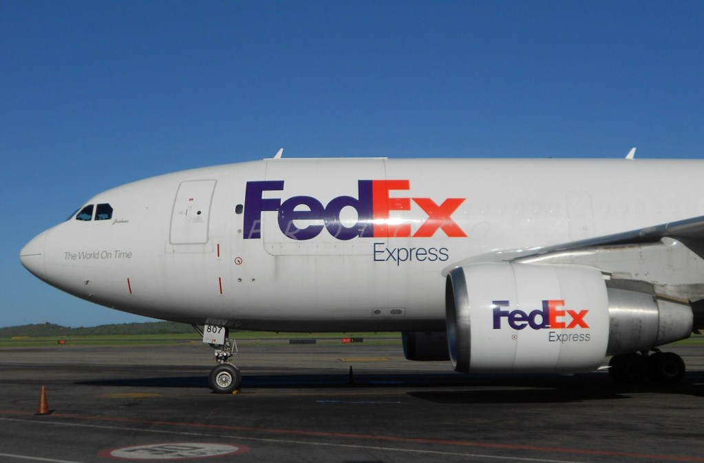 UPS y FedEx amplían sus licencias en China