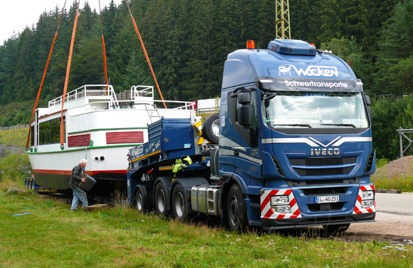 Iveco-Stralis-barco