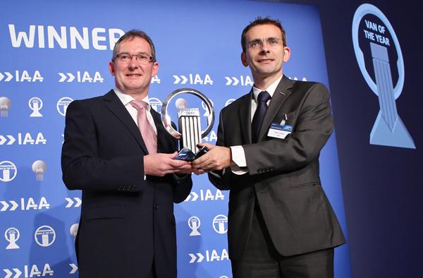 Iveco-presidente-premio-Nuevo-Daily