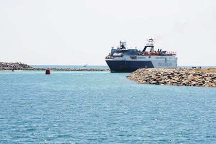 Puerto Hambantota mejorará su terminal de contenedores