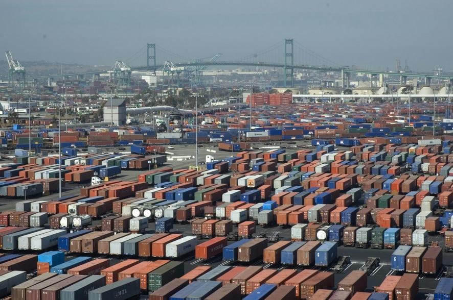 Puertos de Los Ángeles y Long Beach registran volúmenes mixtos agosto