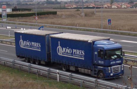 camion-portugal-carretera