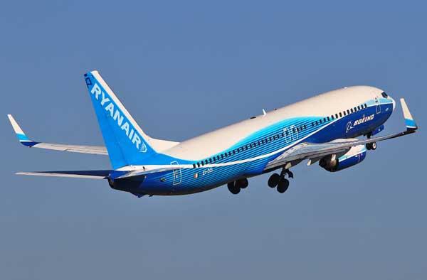 ryanair-avion-azul