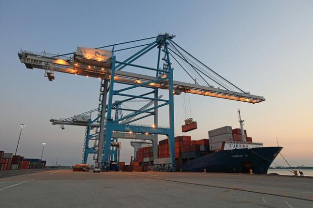 En el Puerto de Virginia aumenta el tiempo de espera de los camiones