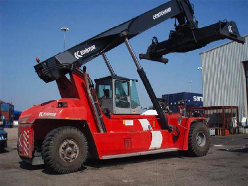 Kalmar vende cuatro reach stackers al puerto de Felixstowe