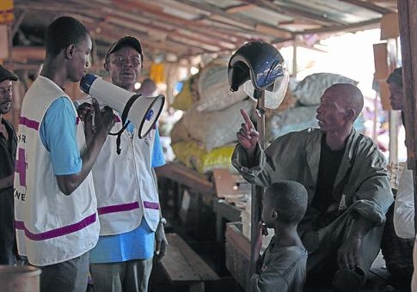 Organizaciones de logística luchan contra el Ébola