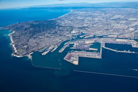 Puerto de Los Ángeles y Long Beach preparan la temporada navideña