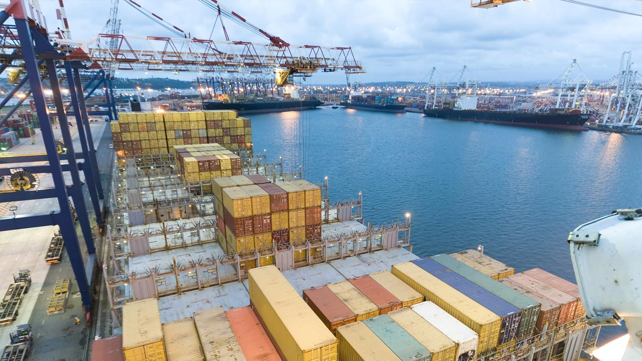 Una débil demanda estanca el comercio exterior