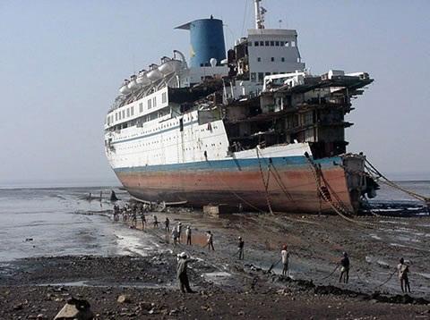 Vietnam quiere entrar en el negocio de desguace de barcos