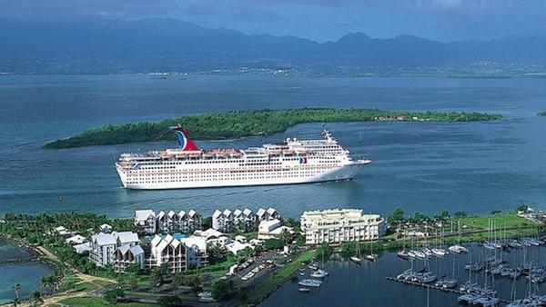 CEO de Carnival Cruise Lines se jubila en noviembre