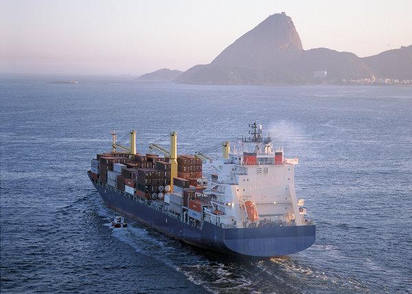 Crowley Maritime Corp entrega puertas del Canal de Panamá