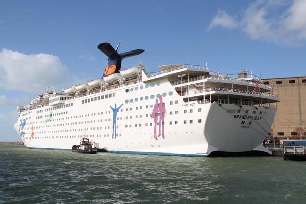 Grand Holiday se incorpora a la flota de CMV