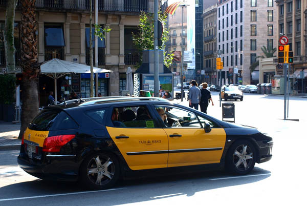 Pin taxis barcelona on pinterest - Cab in barcelona ...
