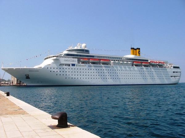 Costa NeoClassica vuelve a navegar tras la renovación