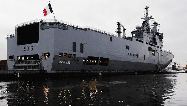 Francia suspende la entrega de buques a Rusia