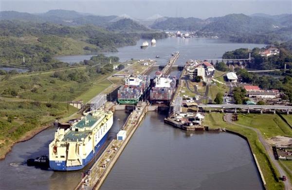 Canal de Panamá afectado por nuevas infraestructuras