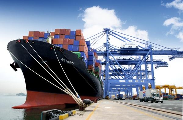 FMI rebaja previsiones crecimiento transporte marítimo