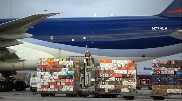 IATA cree que habrá crecimiento de carga aérea en 2015
