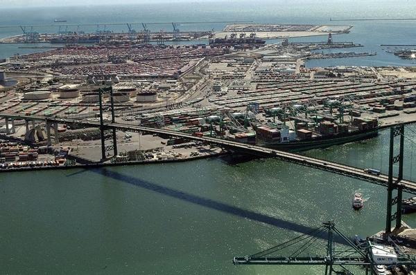 Negociación en puertos Costa Oeste avanza por buen camino