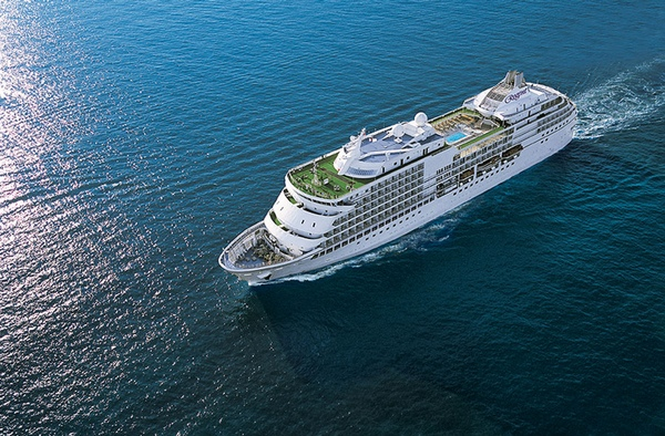 Seven Seas Explorer bate récord de reservas